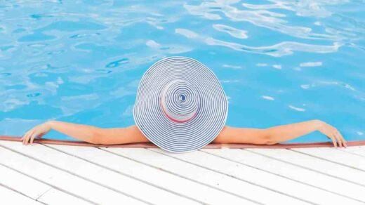 Quel hotel disney a une piscine